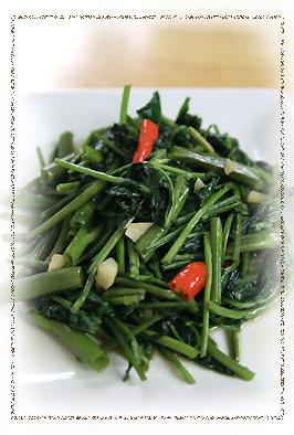 簡単 タイ料理 空芯菜の炒め物