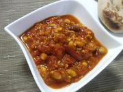 豆とトマトのカレー の写真