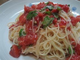 冷製トマトとバジルのカッペリーニ