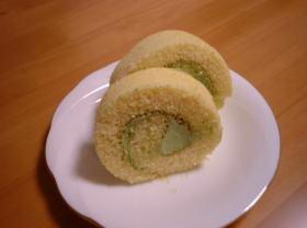 抹茶クリームのロールケーキ