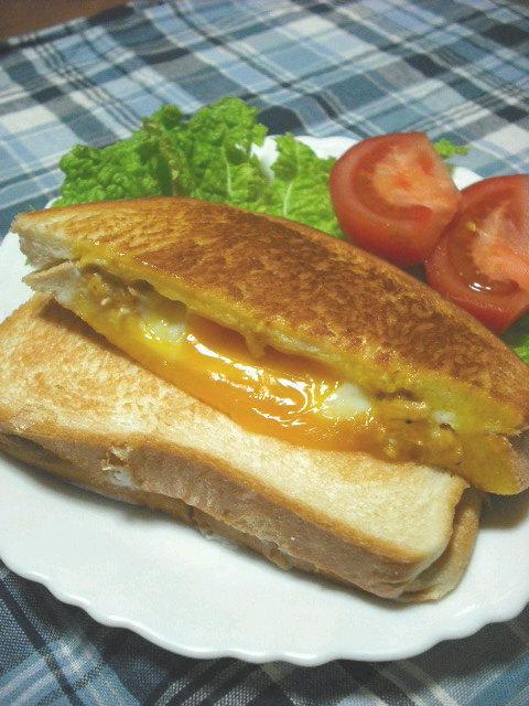 朝食&ランチに★ツナ卵チーズホットサンド