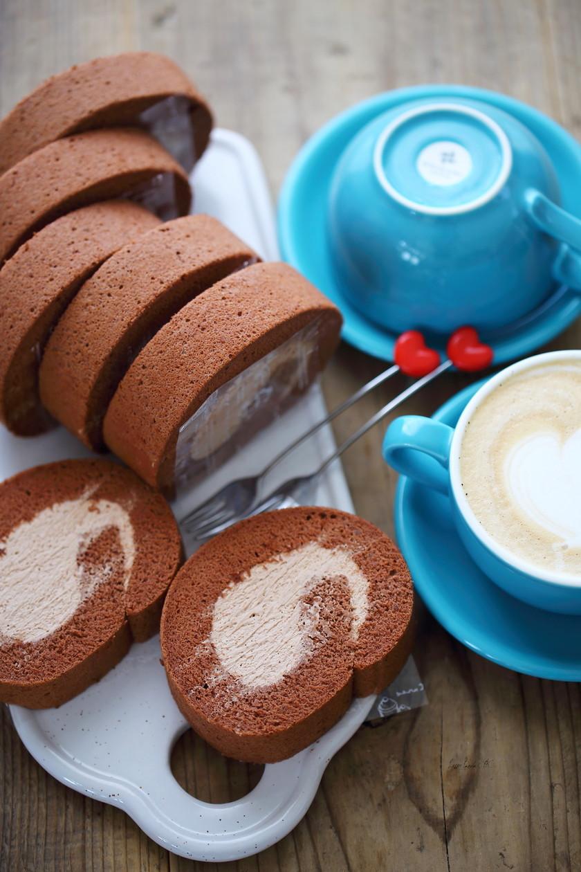 卵白消費♪チョコロールケーキ♡