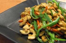 青椒肉絲(豚肉とピーマンの細切り炒め)