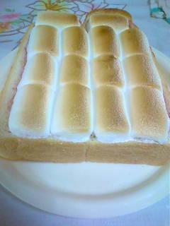 *マシュマロdeサクっふわんなトースト*
