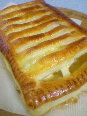 りんごとカマンベールのパイ