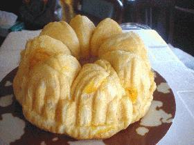 お城型で焼くマーマレード味マーブルパン