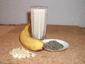黒ゴマとナッツのバナナシェイク
