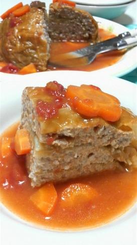キャベツと豚挽き肉の重ね蒸し煮*トマト味