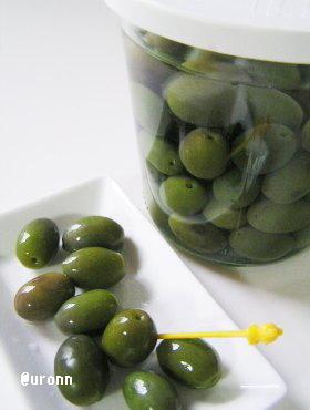 オリーブの実の処理方法♪(塩漬け保存)