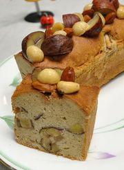 栗とナッツのパウンドケーキの写真