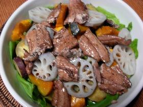 秋刀魚の蒲焼のサラダ