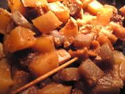牛すじ肉と大根と蒟蒻のどて焼きの写真