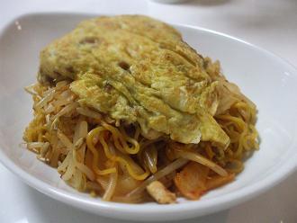 納豆オムレツ焼きラーメン