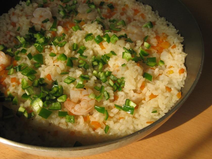 フライパンで簡単!米から本格えびピラフ