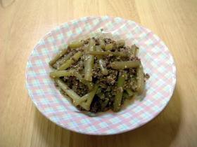 ふきとひき肉のピリ辛炒め