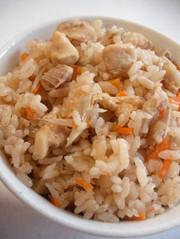 鶏とごぼう炊き込みご飯の写真