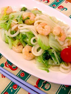 塩味で★白菜とえびのシンプル蒸しうどん