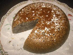 炊飯器ケーキマニアNO.19がお贈りする★切ってみるのも恐ろしい!*まっくろ黒ゴマケーキ*