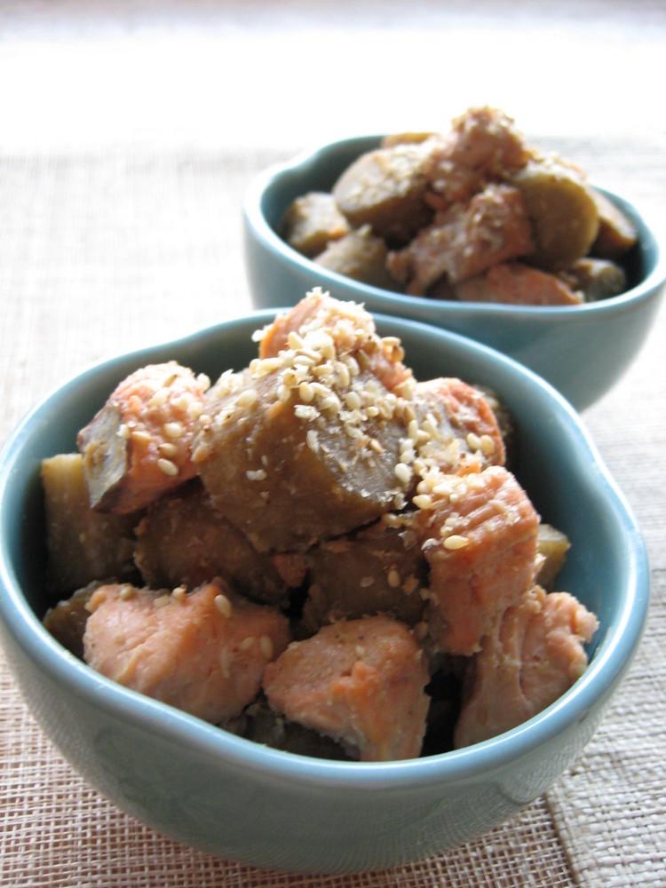 鮭とごぼうの胡麻味噌煮