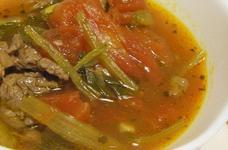 牛肉と小松菜のガーリック風トマトスープ