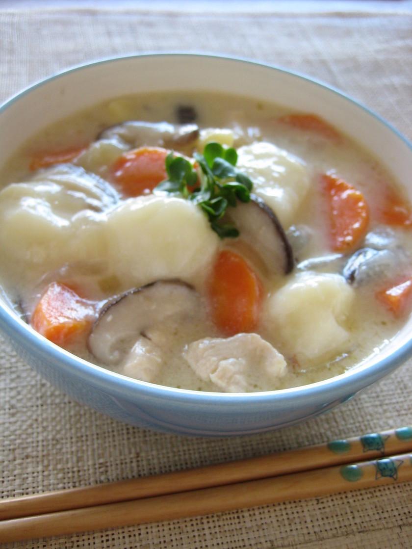 ミルク味噌スープの米粉すいとん