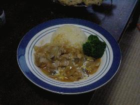 チキンのストロガノフ風~真面目なジュースで炊いたご飯を添えて~