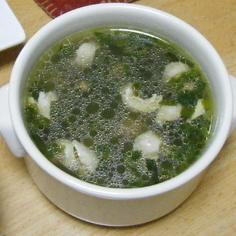 鶏皮と韮のスープ。