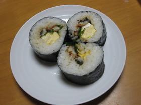 お弁当に入れたうなぎ巻き寿司