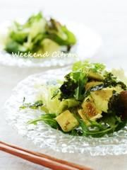 アボカドとレタスのチョレギサラダの写真