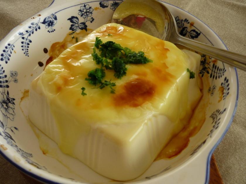 絹ごし豆腐のチーズ焼き