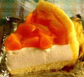 ピーチいっぱいケーキ