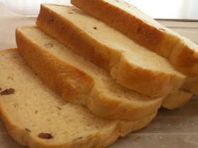 さつまいも入りHB食パン