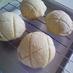 生地しっとり表面さくさくメロンパン