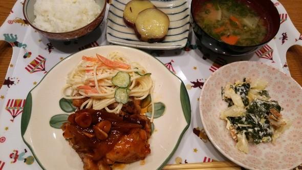 鶏手羽元のBBQソース煮×スパサラ♡