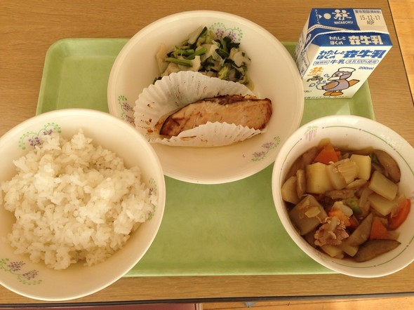 ぶりの照り焼きと肉じゃがの和食の献立