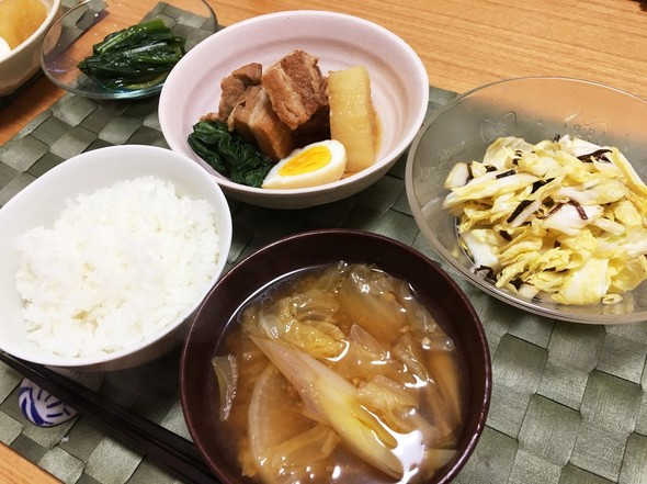 メインは角煮!野菜たっぷり和食ごはん
