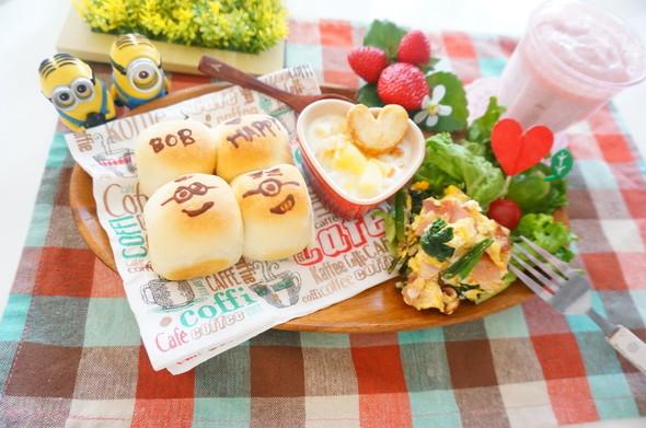 ちぎりパンミニオン&スヌーピーの朝食