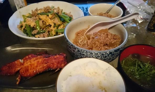 煮物と焼き魚と炒め物‼
