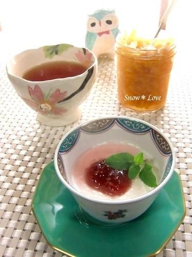 パンナコッタと柚子紅茶で贅沢な午後〜✿