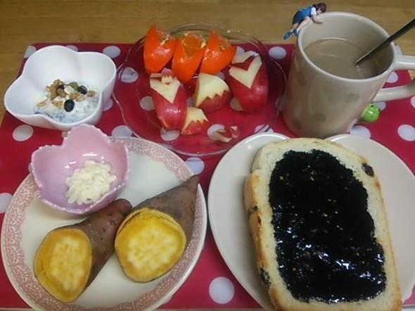 *安納芋とトーストで朝食*