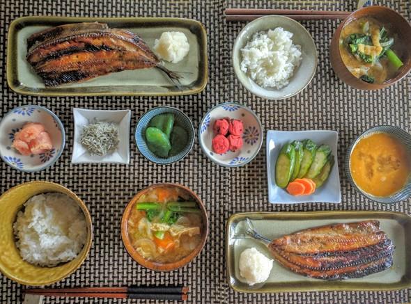 秋刀魚のみりん干しと小松菜のお味噌汁
