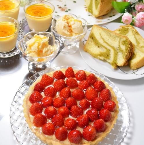 苺タルトと抹茶マーブルシフォン