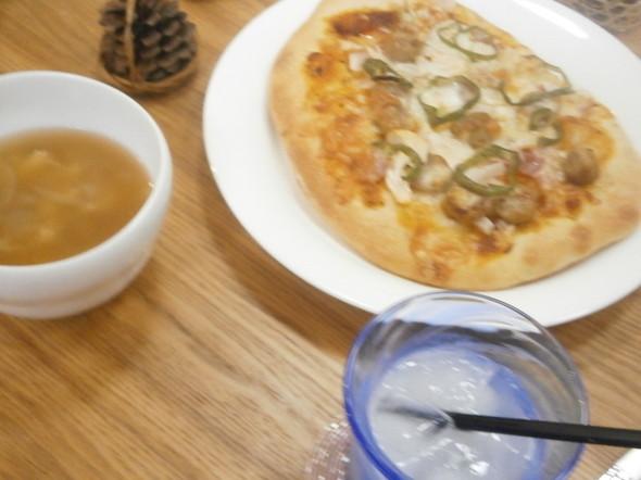 初ホシノ酵母でピザ大成功夕食160530