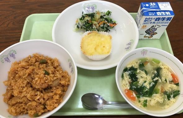 「チキンライスと洋風かき玉スープ」の献立