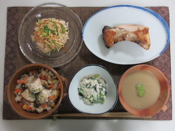 空豆のポタージュとぶりかまの塩焼の晩御飯