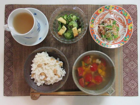 胡瓜と油揚の酢物と塩昆布洋風即席スープ