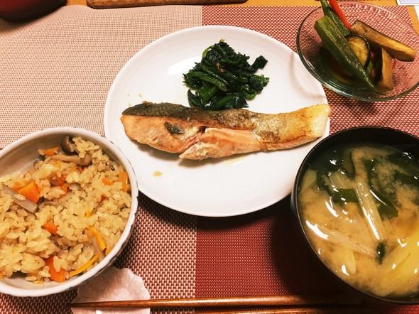 野菜たっぷり御膳〜鮭のムニエル編〜