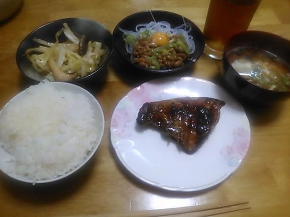 ぶりの照焼き中心の夕食_160914