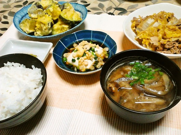 牛肉と白菜のすき煮で夕食