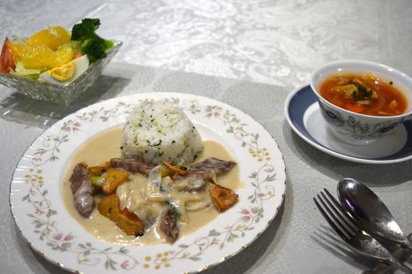 ビーフストロガノフで晩御飯♪